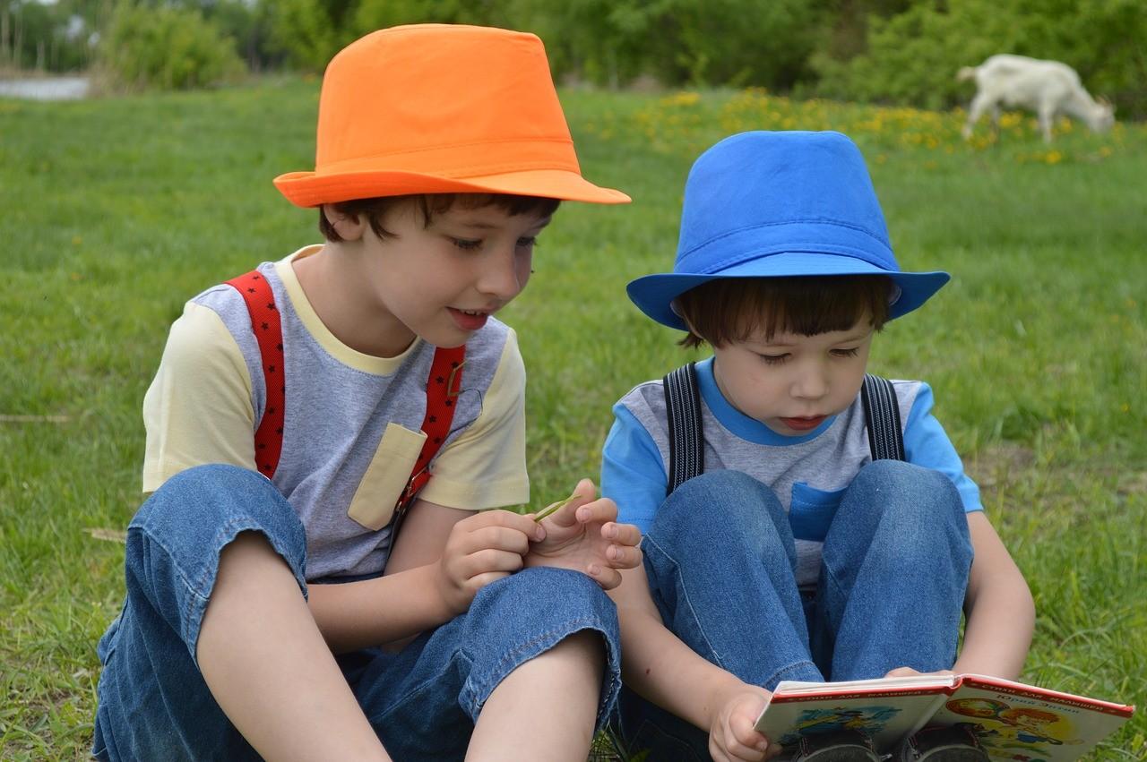 綠腳丫閱讀學堂|怎樣幫孩子掌握閱讀發展萌芽期(3-6歲)